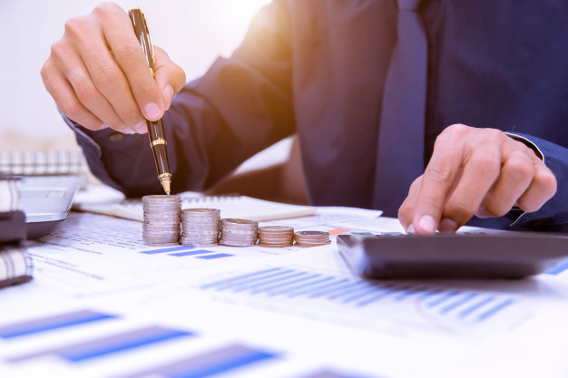 Read more about the article Benefits Over Budget: How To Select The Right COI Tracking System